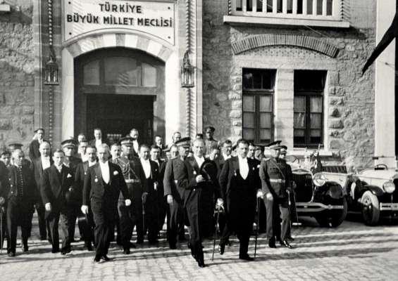 Ankara'nın Başkent oluşunun 95. yılı Kutlu Olsun